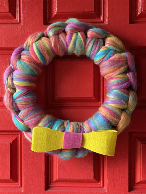 Yarn Door Wreath DIY